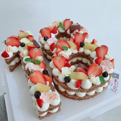 数字蛋糕,中间只夹心一层(图片为6寸效果)