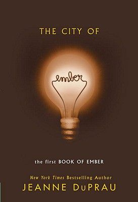 现货 第一部 微光之城the city of emberr 青少年课外