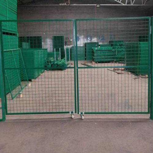 包塑铁门护栏网门防护门圈地围网门车间隔离门铁丝网