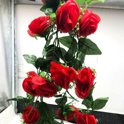 水果蔬菜葡萄叶玫瑰花装饰吊顶管道缠绕藤藤蔓塑料花 大红色绽放玫瑰
