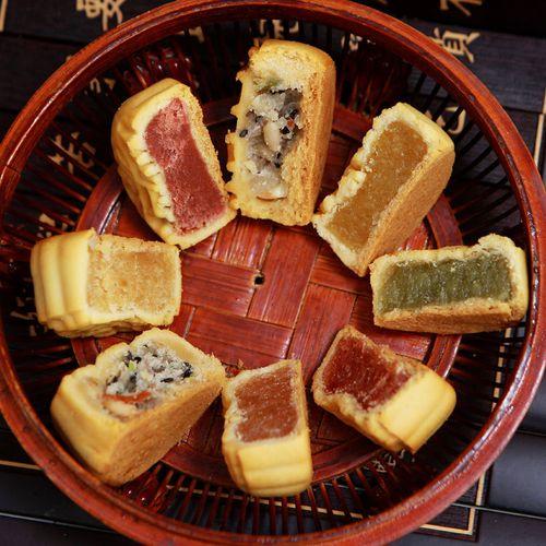 【买一发二】水果月饼凤梨哈密瓜多口味小月饼广式五仁4个/90个 多