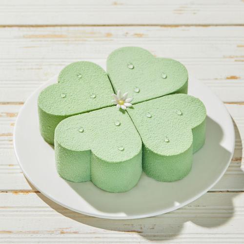 【新品尝鲜】四叶草 · 绿野仙踪,浅浅茶香清丽细腻,抹茶慕斯蛋糕
