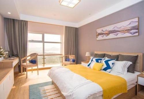 随寓酒店式公寓(杭州大厦武林广场店)雅致商务大床房