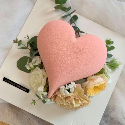 匠心摩尔·鲜花爱心慕斯蛋糕