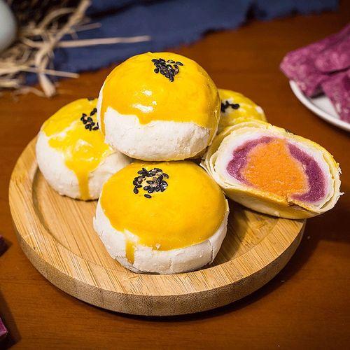 蛋黄酥雪媚娘早餐面包网红零食小吃休闲食品好吃的美食排行榜糕点