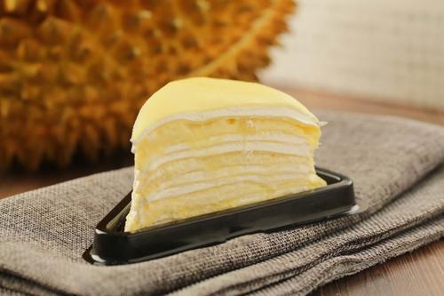 榴莲千层蛋糕切块