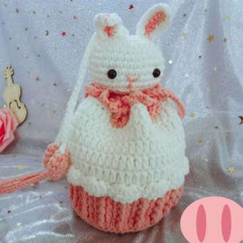 抖音手工编织钩针爱心编织包 草莓蛋糕包包 手织毛线针织自制束口包